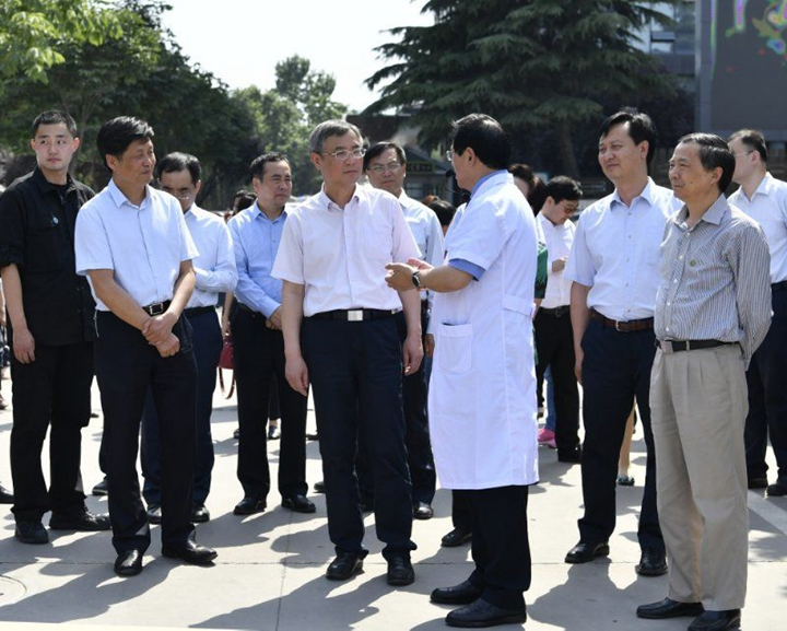 全国人大常委会副委员长蔡达峰来我校附属医院调研