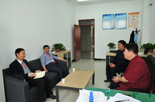 评估专家周桂桐、姬建锋两教授莅临我院检查审核评估工作